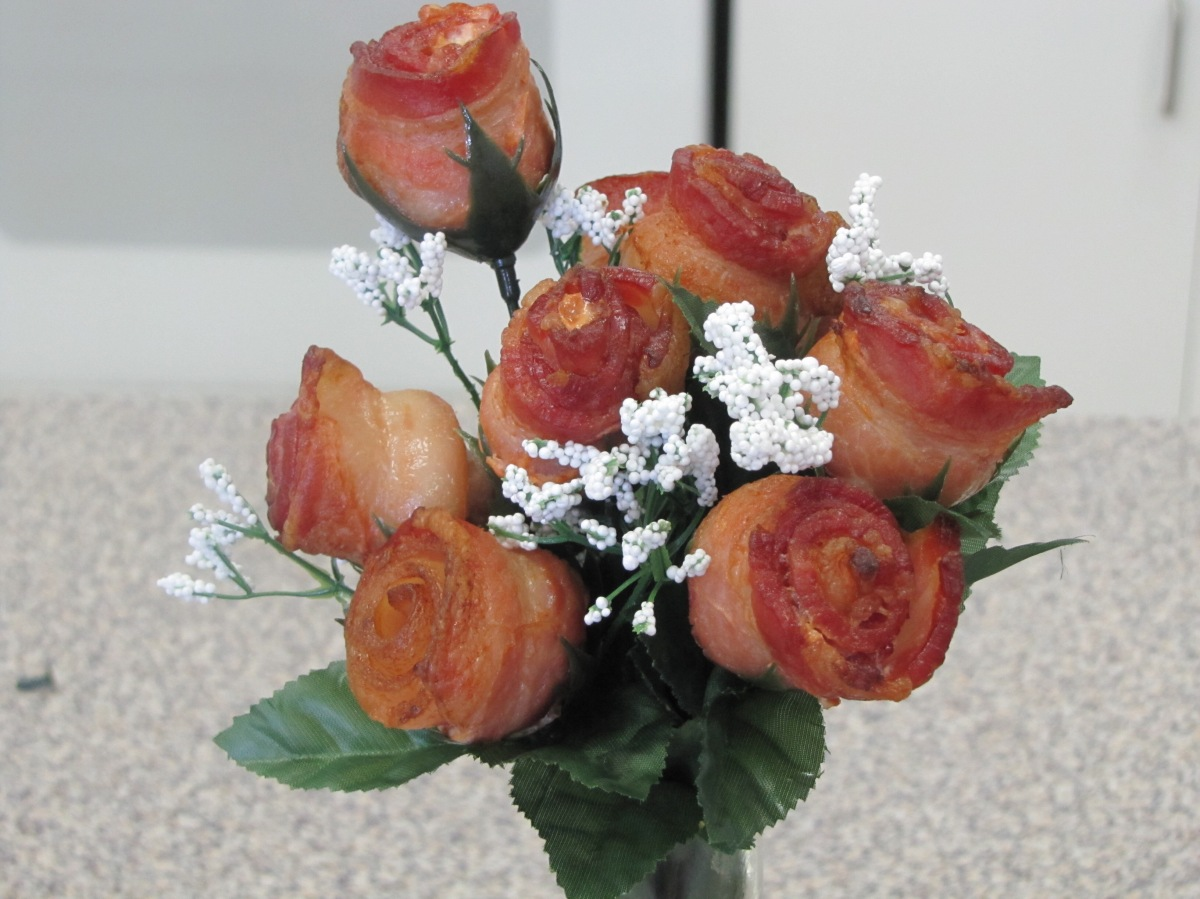 Stop and Smell the Roses (or bacon, if you prefer) #AmWriting #MondayBlogs spencermichaelsbooks.com/blog